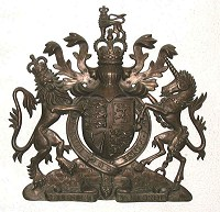 36in royal bronze. GRP British royal coat of arms 36in/92cm high, cold-cast resin/bronze finish.